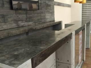 TERRAZA CHAMPLAIN Balcones y terrazas modernos de IINGENIO CONSTRUCTORES Moderno