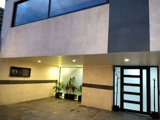 CASA GARZA RIOS SATELITE de IINGENIO CONSTRUCTORES Moderno