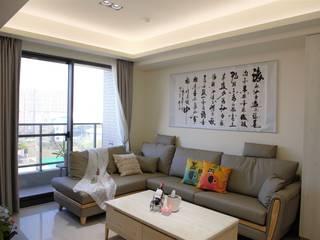 Salas de estilo asiático de 台中室內設計裝修|心之所向設計美學工作室 Asiático