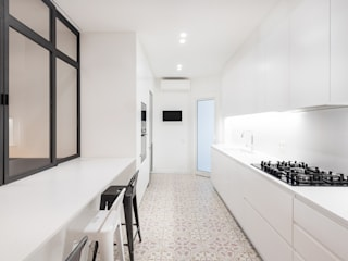 Modern Kitchen by LF24 Arquitectura Interiorismo Modern