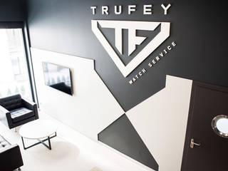 Meble dla Watch Service od Trufey Furniture Nowoczesny