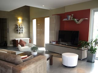 MIINT - design d'espace & décoration Modern living room Orange