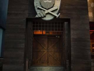 Lumberjack Bar Bares y clubs de estilo rústico de S P A C E L A B Rústico