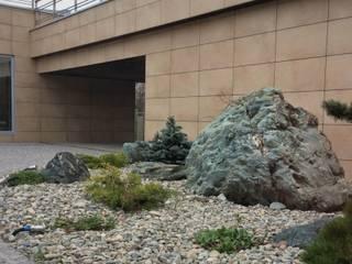 HI-TECH на обломках мегалитового комплекса: Сады в . Автор – GREENS архитектурно-ландшафтное бюро, Скандинавский