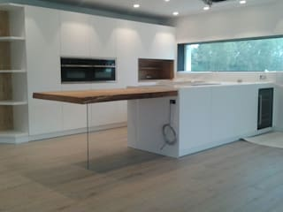 Incontro di materie: Cucina in stile  di Salviato & B.srl