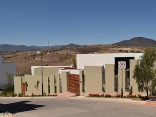 Casa Lomas Verdes GIL+GIL Casas multifamiliares Concreto Marrón
