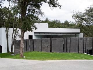 Casas unifamiliares de estilo  por GIL+GIL, Minimalista