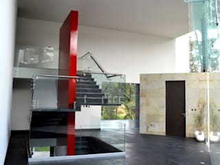 Casa Valleescondido GIL+GIL Escaleras Metal Rojo
