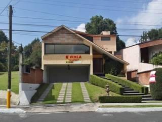 La casa antes de de intervenida por GIL+GIL: Casas unifamiliares de estilo  por GIL MAS GIL
