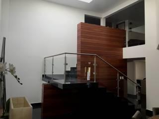 Casa BellaVista GIL+GIL Escaleras Madera Blanco