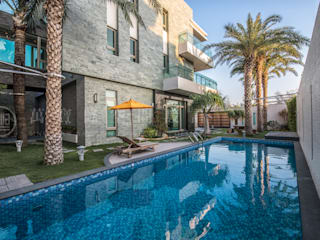 大隆建設/海灣Villa CEO會館2-碧海達觀:  庭院泳池 by SING萬寶隆空間設計