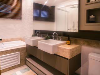 Apartamento M-O Banheiros modernos por INOVAT Arquitetura e interiores Moderno