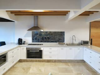 Built-in kitchens by ESTUDIO FD