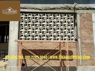 Roster Beton Minimalis - HP/WA: 08122833040 - Omah Genteng | OMAGENCE Omah Genteng Ruang Komersial Minimalis Beton Grey