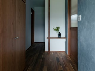 Asian style corridor, hallway & stairs by ELD INTERIOR PRODUCTS Asian