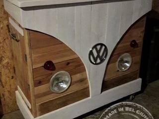 VW Combi pallets Bar par Les Ateliers du PoM Industriel