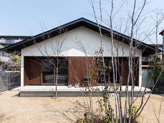 Klassische Häuser von 安江怜史建築設計事務所 Klassisch