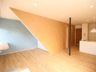 伊勢崎のリノベーション: 大野三太建築設計事務所一級建築士事務所が手掛けた折衷的なです。,オリジナル
