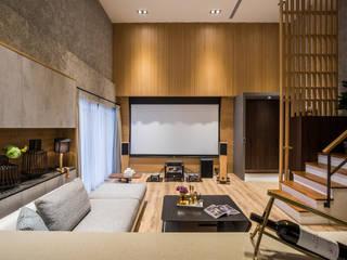 新北市-挑高樓中樓:  客廳 by 解構室內設計