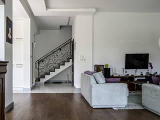 Projekt wnętrza domu: styl , w kategorii Schody zaprojektowany przez Format Design,