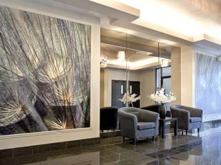 Entrée immeuble Couloir, entrée, escaliers classiques par Intérieur Essentiel Classique