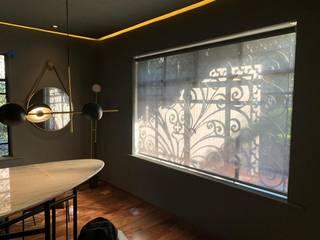 Estudios y despachos de estilo moderno de Interiorissimo Moderno