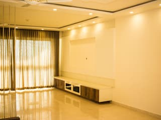 THREE BHK APARTMENT IN KARLA ONE OF THE PRESIGIOUS PROJECT IN BANGALORE BY SSDECOR:  Living room by SSDecor