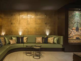 Ceramic mosaic Wellness resort - sauna - swimmingpool:  Gezondheidscentra door Atelier De Mozaiekkamer