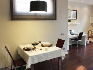 Home Staging Nena Casas: Comedores de estilo  de Obra de Eva,