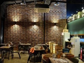 Phòng ăn phong cách hiện đại bởi 오조인테리어 Hiện đại