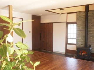 土間のある家 ラスティックデザインの リビング の 湘南建築工房 一級建築士事務所 ラスティック