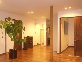 Salle à manger de style  par 湘南建築工房 一級建築士事務所