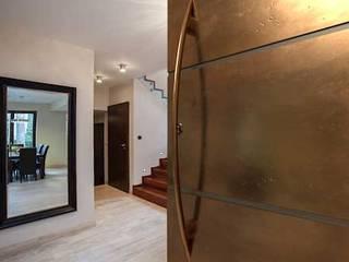 de estilo  por Camel Glass, Moderno