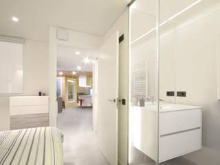 Iluminando un piso en semisótano LIQE arquitectura Baños de estilo moderno