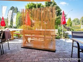 Sichtschutz für Garten, Terrasse und Balkon in zeitloser Bambus Optik:   von www.skydesign.news - Raumteiler aus Berlin