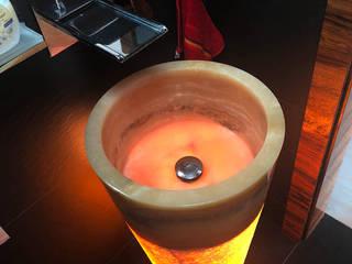 Wolno stojąca umywalka z onyksu - podświetlenie umywalki z onyksu: styl , w kategorii Łazienka zaprojektowany przez Lux4home™