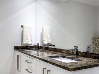 Modern Luxury Home.: modern  by Smartdesigns & Turnkey Projects PTY Ltd., Modern