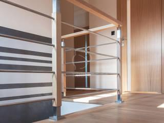 Roble Stairs Iron/Steel Metallic/Silver