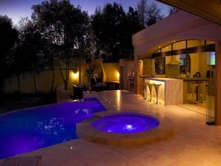 Villa Torino:  Infinity pool by Plan Créatif