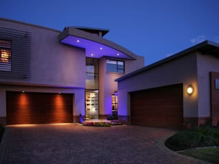 Ebotse:  Single family home by Plan Créatif,