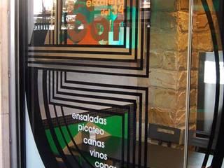 LOCAL DESTINADO A HOSTELERÍA LA ESCALERA DEL 34 Gastronomía de estilo moderno de FrAncisco SilvÁn - Arquitectura de Interior Moderno