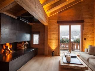 Salas de estar rústicas por RH-Design Innenausbau, Möbel und Küchenbau Aarau Rústico