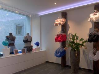 Dessous-Laden: modern  von RH-Design Innenausbau, Möbel und Küchenbau Aarau,Modern