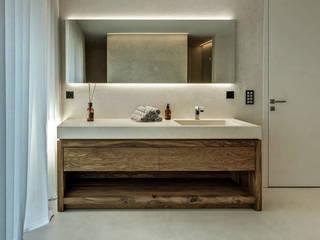 Moderne Wohnung: modern  von RH-Design Innenausbau, Möbel und Küchenbau Aarau,Modern