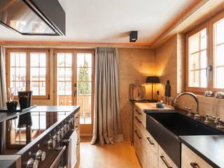 por RH-Design Innenausbau, Möbel und Küchenbau Aarau Rústico