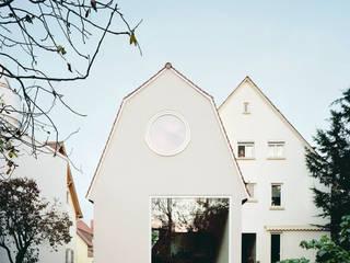 AUWAERTER. Anbau mit moderner Tradition von AMUNT Architekten in Stuttgart und Aachen Modern