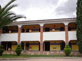 HOTEL MESÓN DEL CORTIJO de TH ARQUITECTOS
