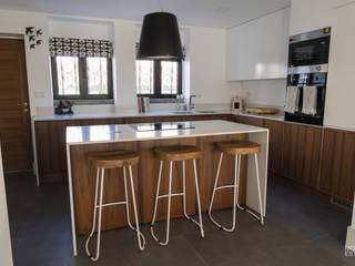 وحدات مطبخ تنفيذ Moderestilo - Cozinhas e equipamentos Lda, حداثي