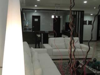 4 bhk:  Living room by Espee Designs