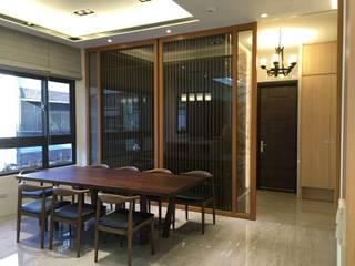 Modern dining room by 台中室內設計裝修|心之所向設計美學工作室 Modern